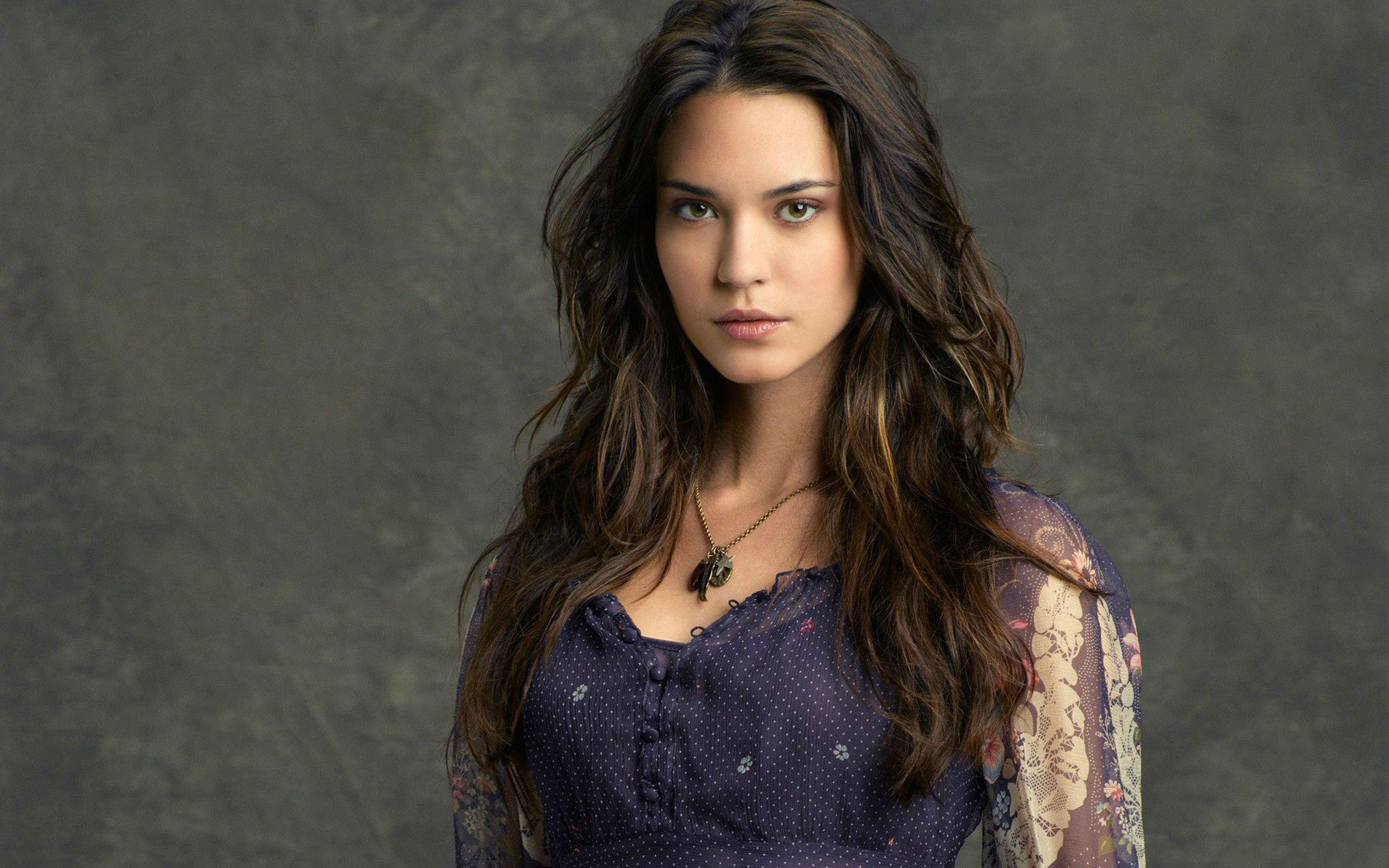 1400x900 Girl Wallpaper Odette Annable Hd Celebrities 4k Wallpapers Images