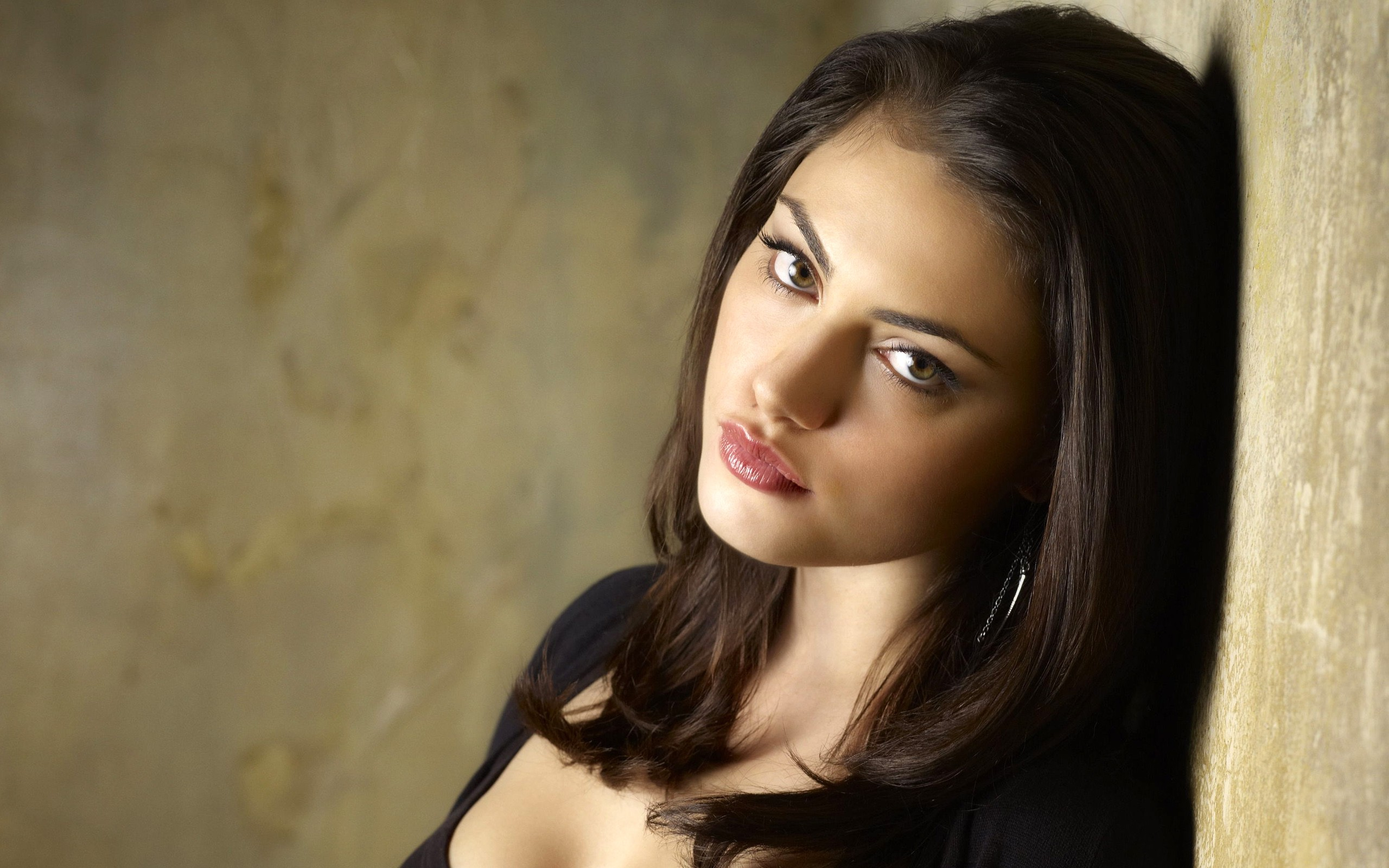 Ultra Hd Wallpapers Cars Phoebe Tonkin 3 Hd Celebrities 4k Wallpapers Images