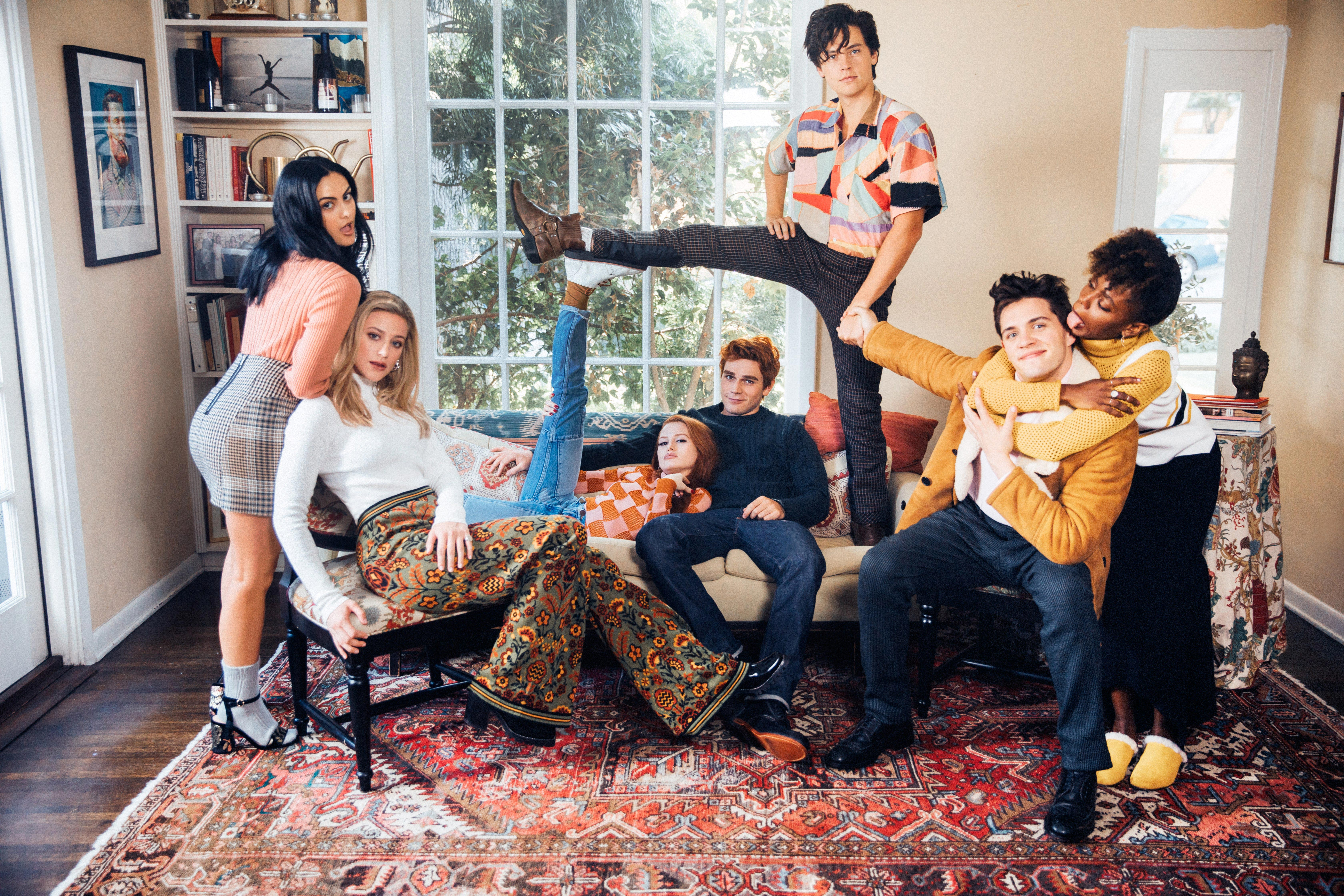 Cool 3d Wallpapers For Walls 2048x1152 Riverdale Season 2 Cast Photoshoot 5k 2048x1152