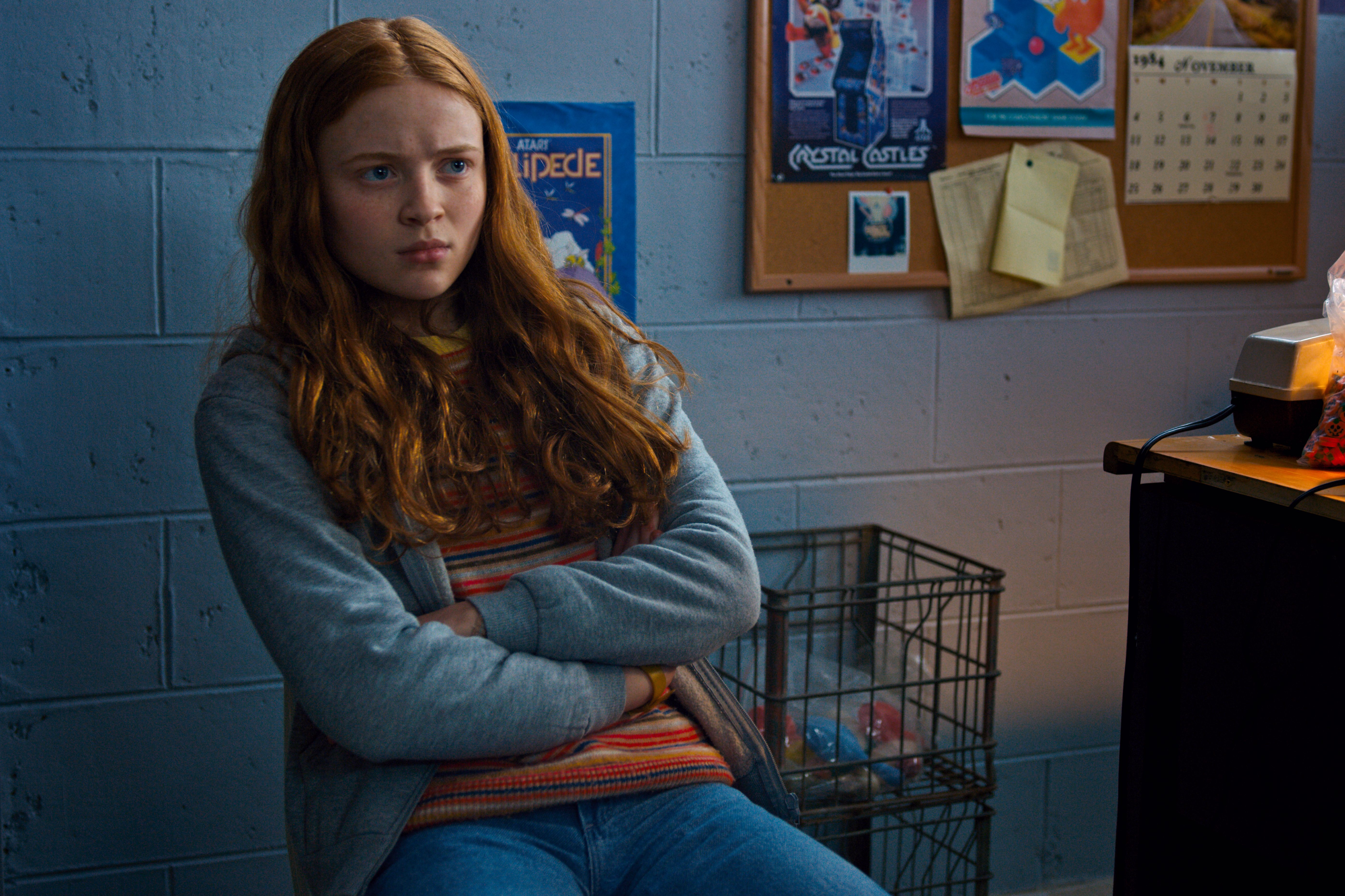 Very Cute Wallpapers For Mobile 240x320 Sadie Sink As Max Stranger Things Season 2 Hd Tv Shows