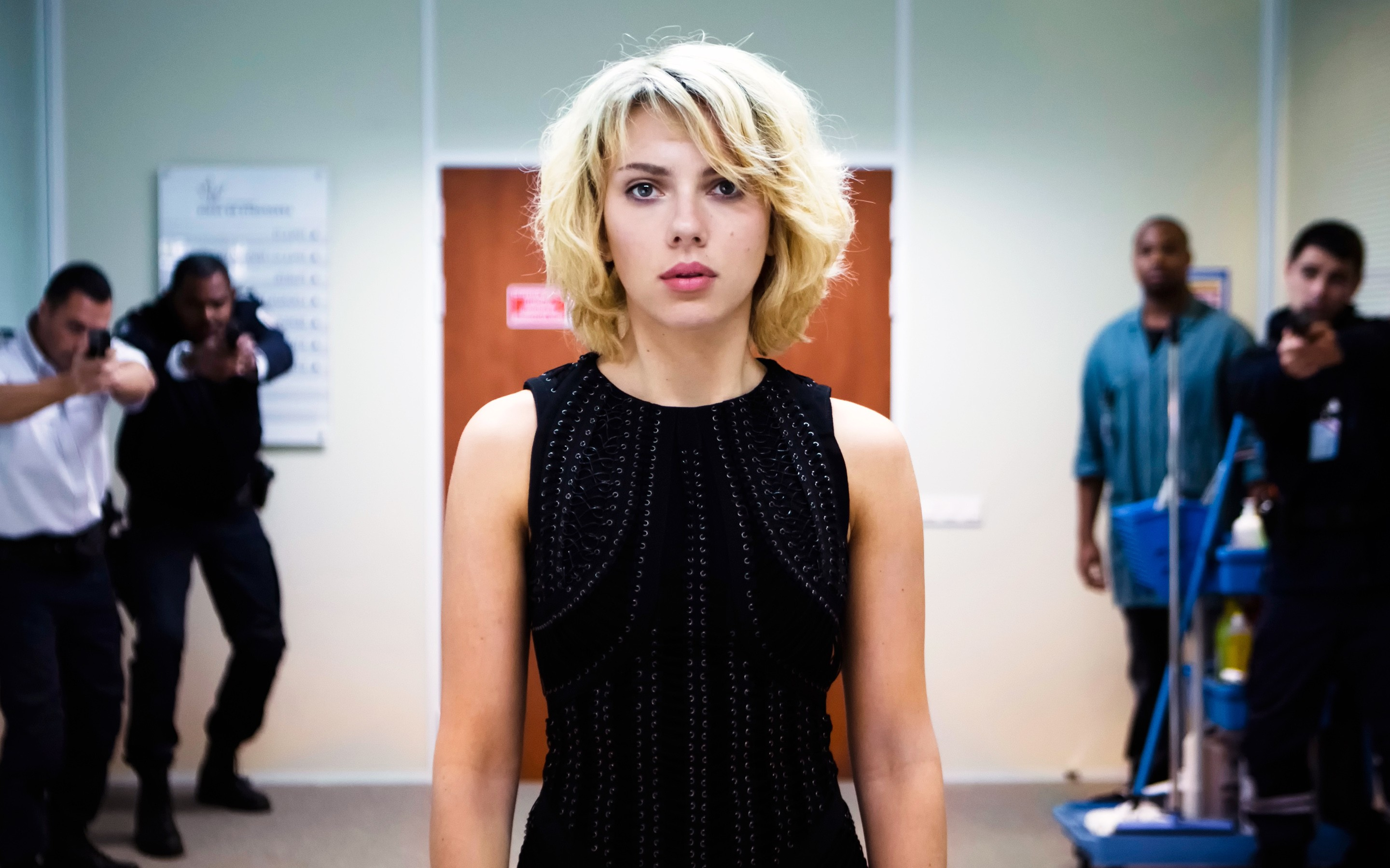 Cute Photography Wallpaper For Iphone Scarlett Johansson In Lucy Hd Movies 4k Wallpapers