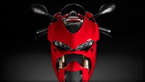 SBK-1299-Panigale_2015_Studio_R_A01_1920x1080.mediagallery_output_image_[1920x1080]