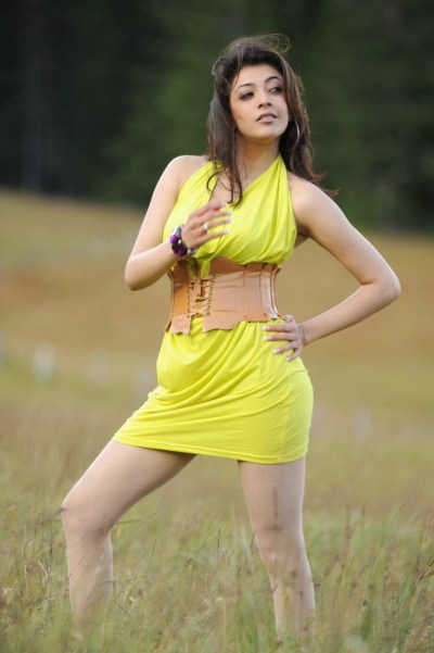 Kajal Agarwal Hot Wallpaper in Bikini | HD Wallpaper Desktop