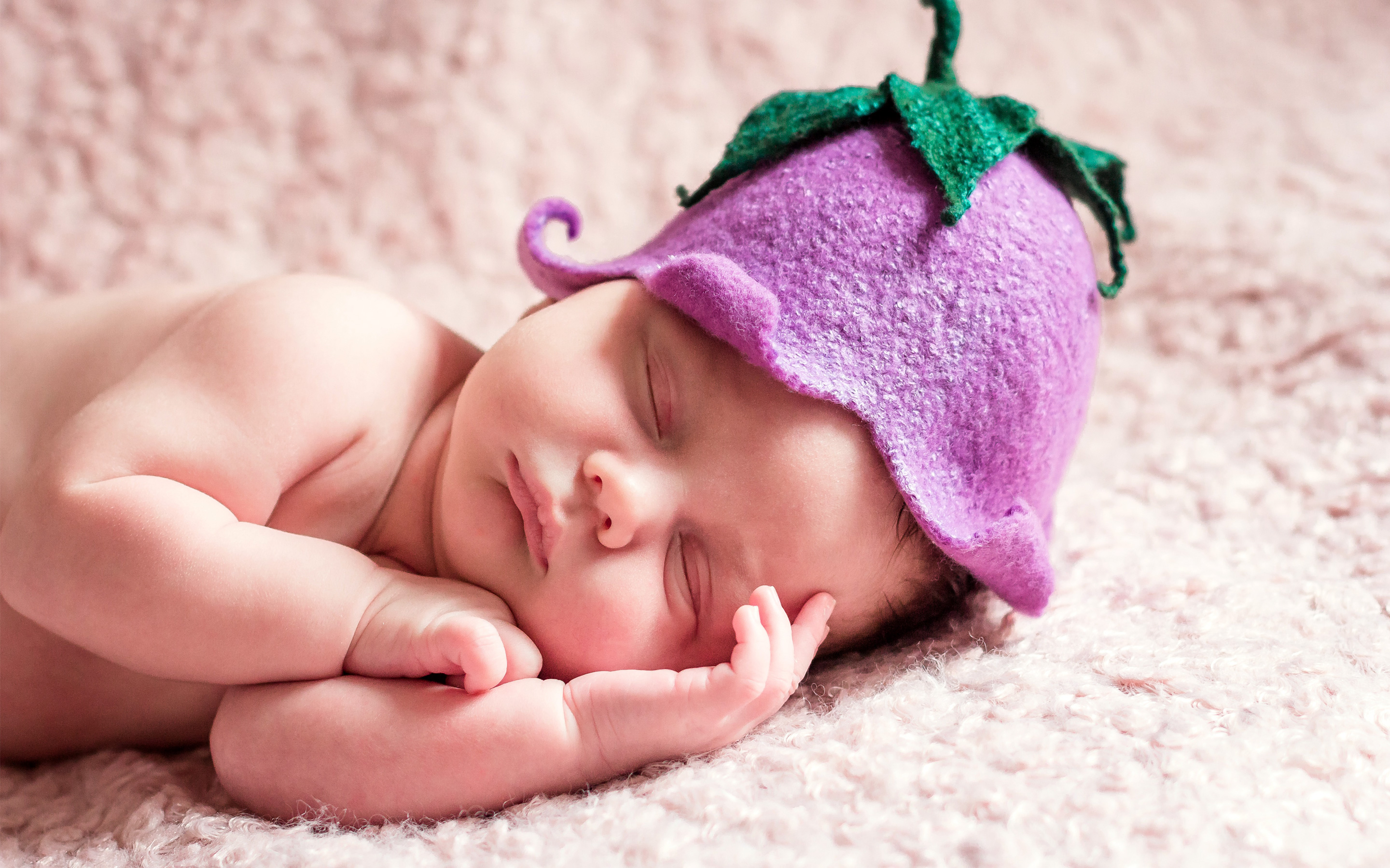 New Born Baby Wallpapers Cute Sleeping Newborn Baby Wallpapers Hd Wallpapers Id 17857