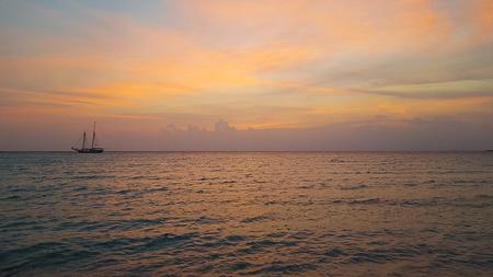 alabaster beach eleuthera bahamas