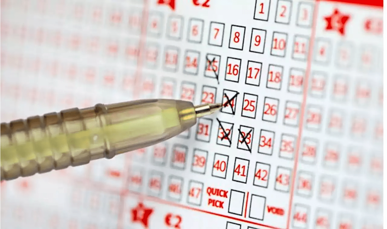 Lotto Euromillions Euromillions Lotto Frenzy Someone Could Win 172million In