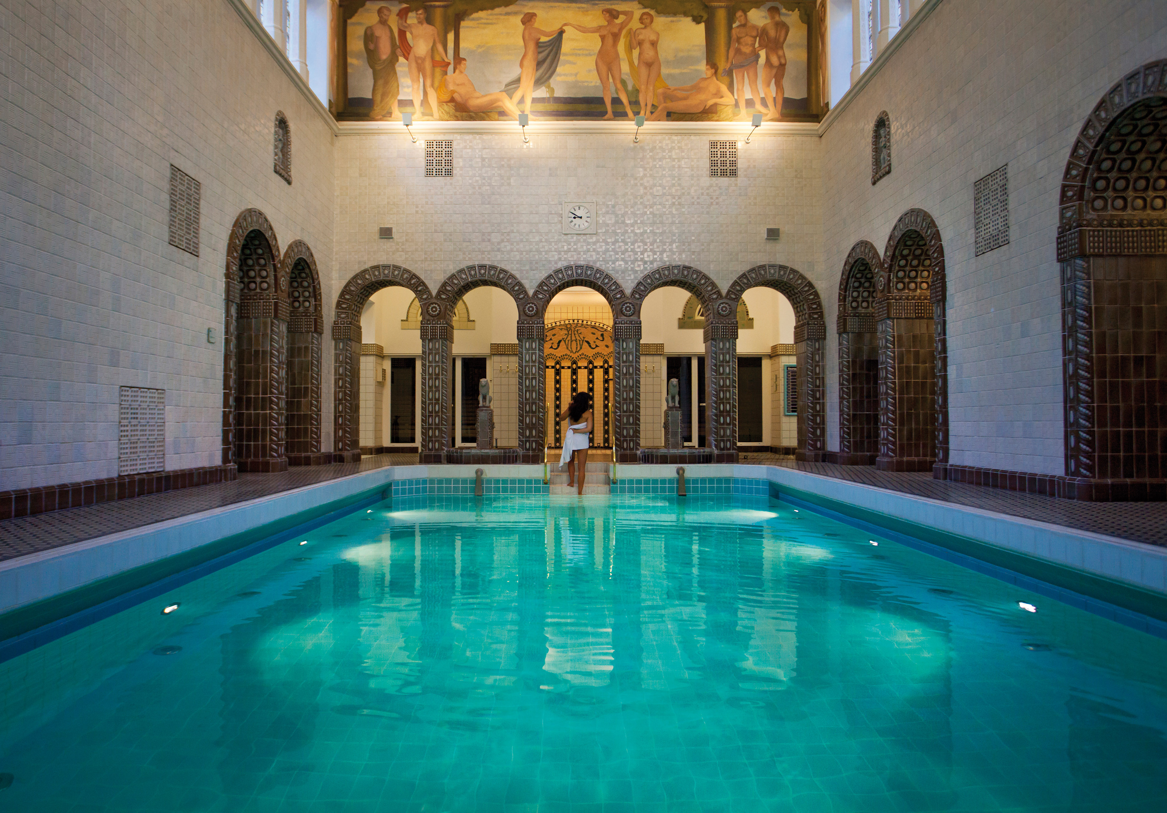 Swimming Pool Frankfurt Thermal Baths Overcoming Nudity Nerves In Exquisite Spas Of Germany