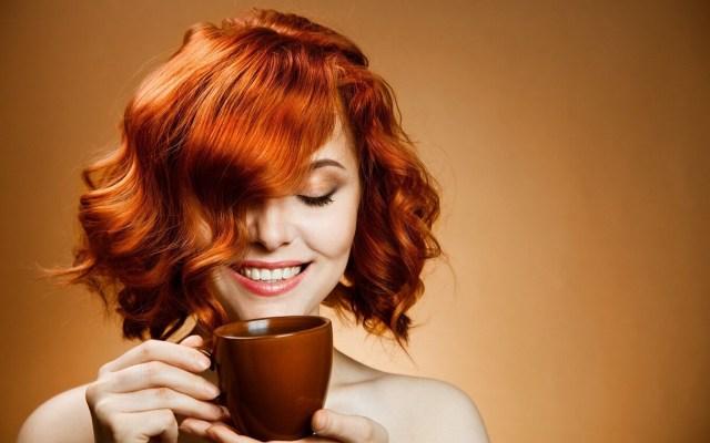 Good-morning-hot-tea-drinking-girl