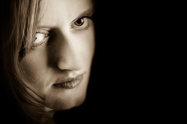 woman-315114_1280