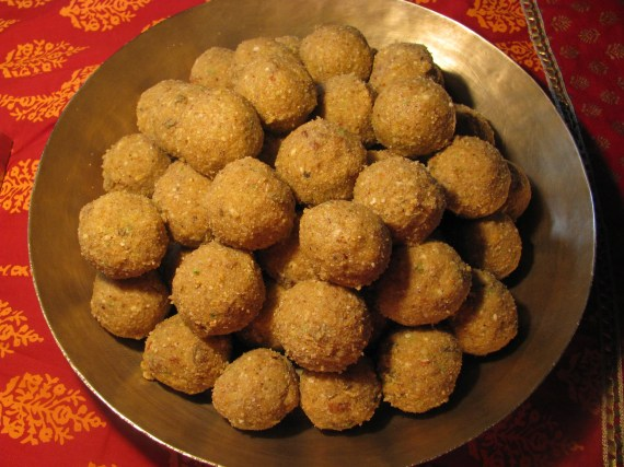gond laddu recipe | dink ladoo recipe