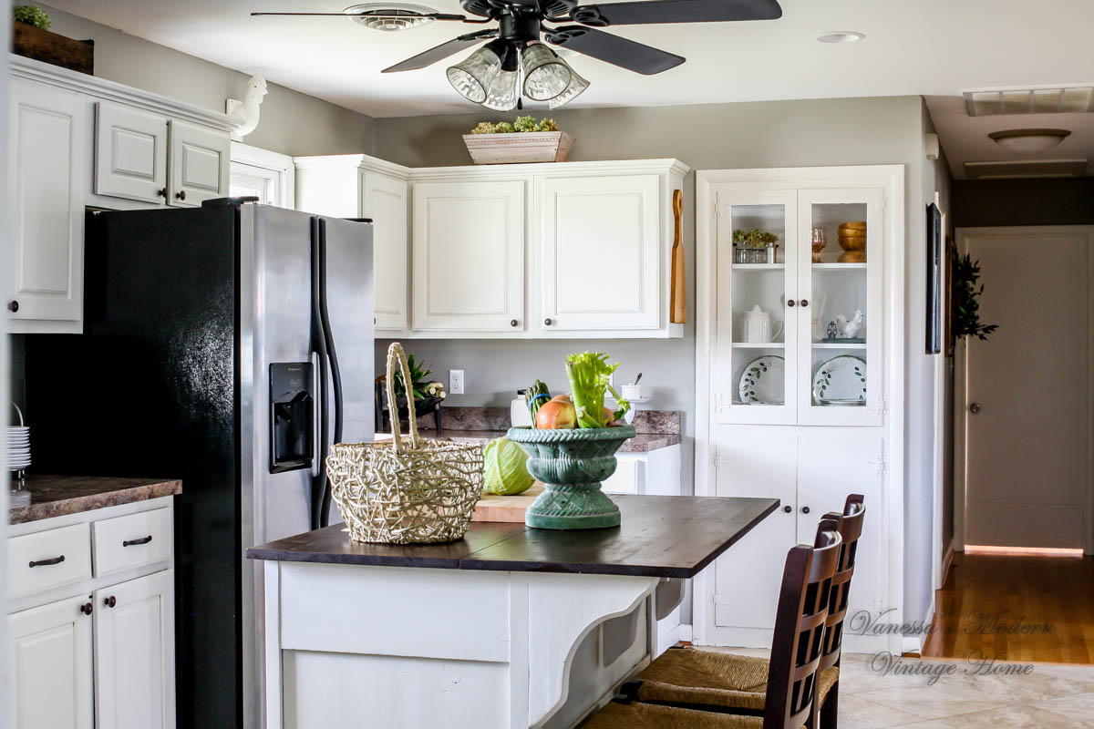 Paint My Kitchen Cabinets How I Painted My Kitchen Cabinets Without Removing The Doors