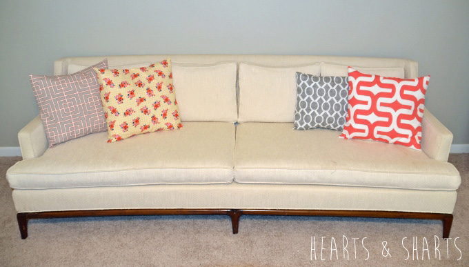 Sewing-Pillow-Shams-With-Flange-11-www.heartsandsharts.com