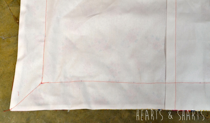 Sewing-Pillow-Shams-With-Flange-9-www.heartsandsharts.com