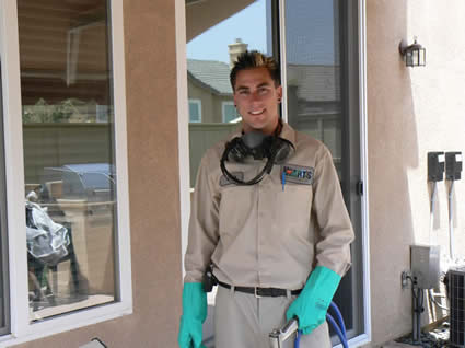 Residential consulting pest control technician