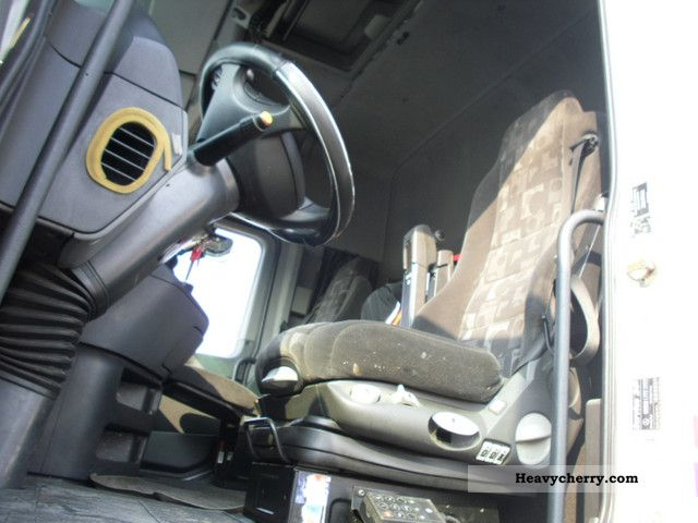 Mercedes Benz Actros 2641 Frigo 2004 Standard Tractor Trailer Unit Photo And Specs - Frigo Standard