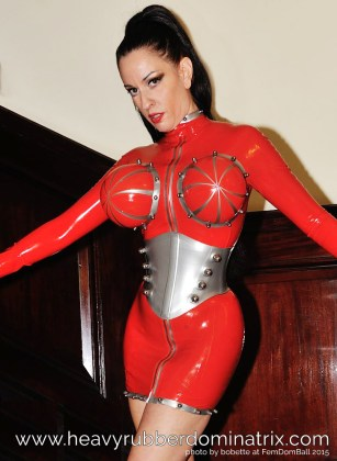heavy rubber dominatrix