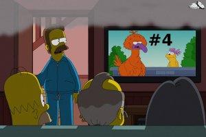 homer-watching-tv-4