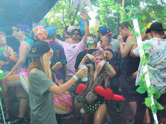 EZOO 2016 Elrow Party People