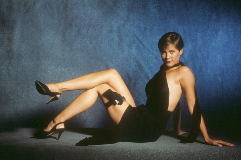1989: Carey Lowell kot Pam Bouvier (Dovoljenje za ubijanje)