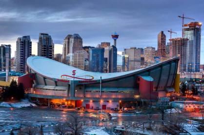 Scotiabank Saddledome v Kanadi je verjetno za vse, ki kupijo cenejšo karto, prava magična dežela: v notranjosti ni niti enega podpornega stebra, ki bi gledalcem oviral pogled na dogajanje.