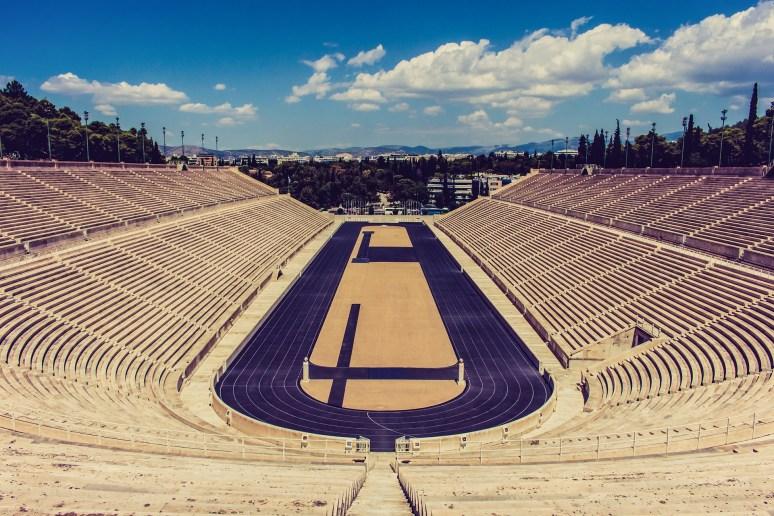 Stadion Panathenaic v Grčiji lahko gosti do 45.000 gledalcev. Stadion stoji na tleh, kjer je pred več kot 2000 leti stal njegov antični original.