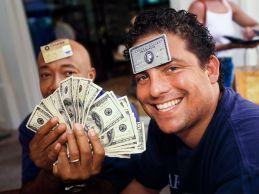 Brett Ratner in Def Jam z denarjem za večerjo