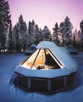 Hiške s stekleno streho za opazovaje zvezd