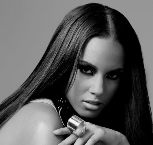 Alicia-Keys-2014-Black-and-White-wallpaper-800x500