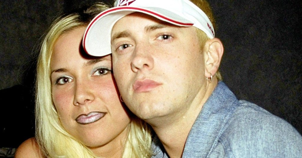 Is Eminem married 1