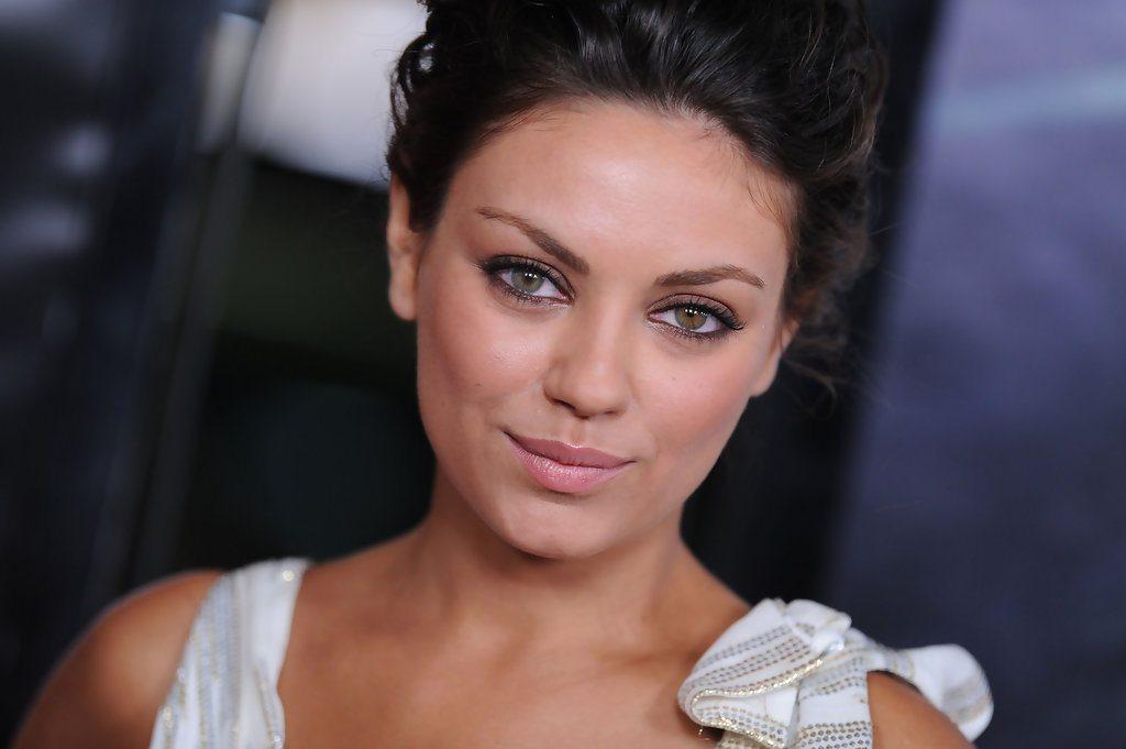 Mila Kunis' height eyes