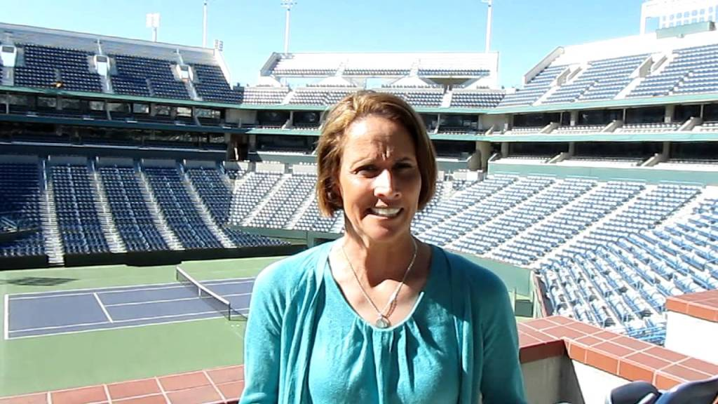 Mary Carillo gay