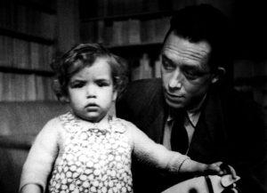 ألبرت كامو مع ابنة كاترين