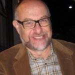 د. كينيث سيسكن، محاضر في قسم الفلسفة، ومختص في الفلسفة اليهودية