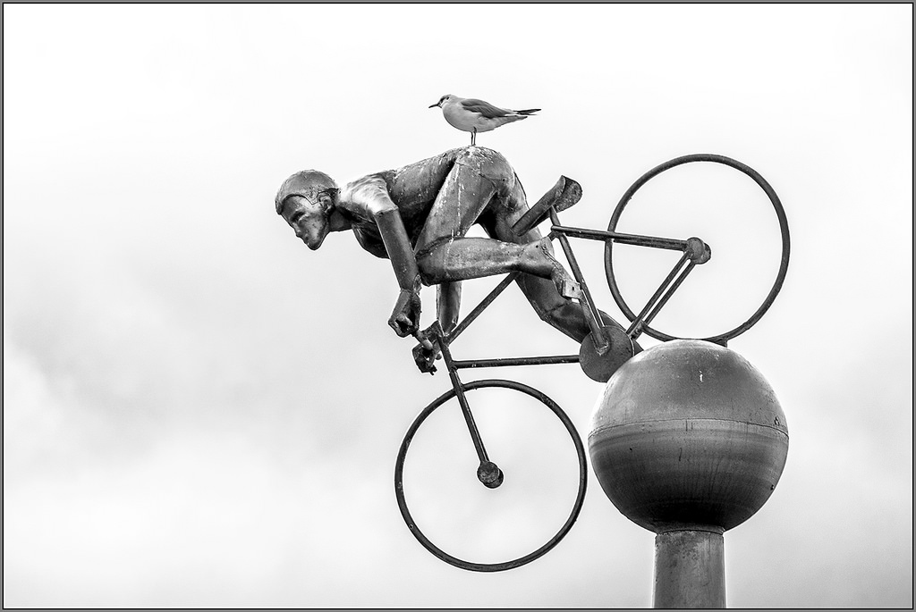 Hitchin' a Ride Statue cyclist boy Southport