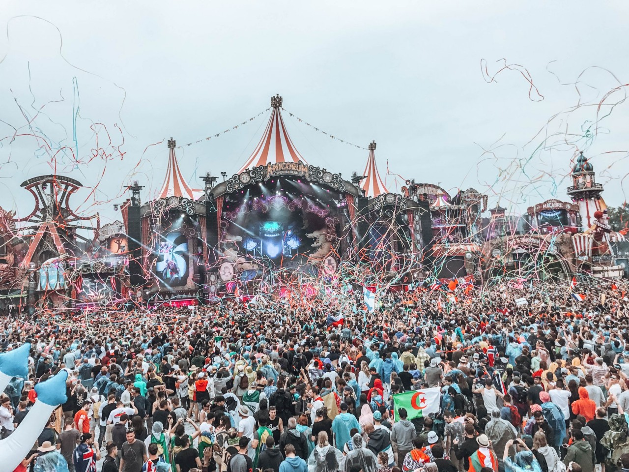 Tomorrowland Tickets How To Get To Tomorrowland 2018 Helene In Between