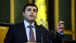 Το τουρκικό υπουργείο Δικαιοσύνης ζητά την άρση της ασυλίας των ηγετών του φιλο-κουρδικού Κόμματος Δημοκρατίας των Λαών και ορισμένων βουλευτών του.  Φωτογραφία ΑΠΕ-ΜΠΕ