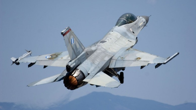 Eλληνικό μαχητικό F-16.