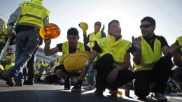 Φωτογραφία αρχείου. Εργαζόμενοι στα μεταλλωρυχεία Χαλκιδικής σε συγκέντρωση διαμαρτυρίας μπροστά από τη Βουλή. ΑΠΕ-ΜΠΕ, ΑΛΕΞΑΝΔΡΟΣ ΒΛΑΧΟΣ