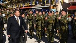 Ο υπουργός  Εθνικής Άμυνας Πάνος Καμμένος (Α) επιθεωρεί άγημα κατά τη διάρκεια των εορταστικών εκδηλώσεων, την Πέμπτη, 5 Νοεμβρίου 2015. Ο υπουργός Εθνικής Άμυνας Πάνος Καμμένος, συνοδευόμενος από τον Αρχηγό ΓΕΣ Αντιστράτηγο Βασίλειο Τελλίδη, παρέστη στις εκδηλώσεις για τον εορτασμό της 103ης επετείου από την απελευθέρωση της Κέλλης. ΑΠΕ- ΜΠΕ, ΓΡΑΦΕΙΟ ΤΥΠΟΥ ΥΠΕΘΑ
