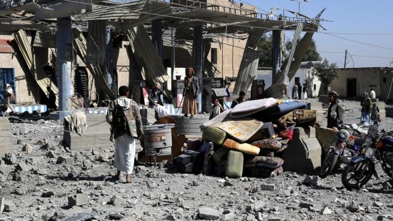 Σφοδρές μάχες ξέσπασαν ξανά στο Άντεν τη Δευτέρα, 36 νεκροί σε δύο ημέρες. FILE PICTURE. EPA/YAHYA ARHAB
