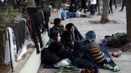 Αφγανοί πρόσφυγες στην Αθήνα. ΦΩΤΟΓΡΑΦΙΑ ΑΡΧΕΙΟΥ. ΑΠΕ-ΜΠΕ/ΣΥΜΕΛΑ ΠΑΝΤΖΑΡΤΖΗ