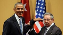 FILE PHOTO. US President Barack Obama (L) and his Cuban counterpart Raul Castro (R). EPA/ALEJANDRO ERNESTO