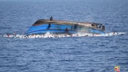 Δύο γυναίκες έχασαν τη ζωή τους στην κεντρική Μεσόγειο, πολλοί άλλοι μετανάστες αγνοούνται και θεωρείται πως «πνίγηκαν». Φωτογραφία Αρχείου  EPA, ITALIAN NAVY, HANDOUT EDITORIAL USE ONLY