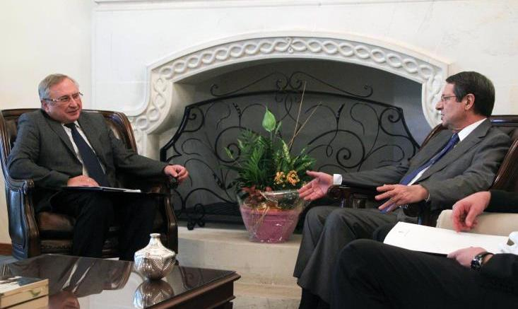 Ο πρόεδρος Αναστασιάδης με τον Ρώσο πρέσβη στην Κύπρο. Φωτογραφία Αρχείου ΚΥΠΕ