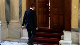 Ο πρόεδρος της Τράπεζας της Ελλάδας Γιάννης Στουρνάρας στο Προεδρικό Μέγαρο. ΑΠΕ-ΜΠΕ, ΑΛΕΞΑΝΔΡΟΣ ΒΛΑΧΟΣ