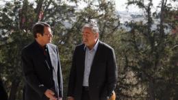 Ο Πρόεδρος της Δημοκρατίας κ. Νίκος Αναστασιάδης με τον κατοχικό ηγέτη Μουσταφά Ακιντζί. Φωτογραφία Αρχείου, ΣΤΑΥΡΟΣ ΙΩΑΝΝΙΔΗΣ