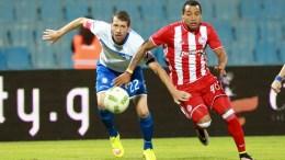FILE PHOTO: Ο παίκτης του Ηρακλή Σεμπάστιαν Μπαρτολίνι (Α) μάχεται για την κατοχή της μπάλας με τον παίκτη του Ολυμπιακού Φελίπε Πάρντο (Δ) κατά τη διάρκεια του αγώνα Ηρακλής - Ολυμπιακός  για την 4η αγωνιστική του πρωταθλήματος της Σούπερ Λίγκα στο γήπεδο  Καυτανζόγλειο στη Θεσσαλονίκη. Κυριακή 18 Σεπτεμβρίου 2016. Τελικό σκορ Ηρακλής-Ολυμπιακός 1-2. ΑΠΕ ΜΠΕ, PIXEL, ΜΠΑΡΜΠΑΡΟΥΣΗΣ ΣΩΤΗΡΗΣ