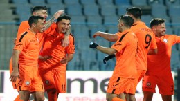 Οι παίκτες του Ηρακλή πανηγυρίζουν κατά τη διάρκεια του αγώνα Ηρακλής - Απόλλων Σμύρνης για την 2η αγωνιστική των ομίλων του Κυπέλλου Ελλάδας που πραγματοποιήθηκε στο γήπεδο  Καυτανζόγλειο στη Θεσσαλονίκη. Τετάρτη 30 Νοεμβρίου 2016 ΑΠΕ ΜΠΕ/PIXEL/ΜΠΑΡΜΠΑΡΟΥΣΗΣ ΣΩΤΗΡΗΣ ΑΠΕ ΜΠΕ/PIXEL/ΜΠΑΡΜΠΑΡΟΥΣΗΣ ΣΩΤΗΡΗΣ