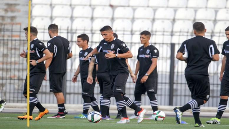 Οι παίκτες του ΠΑΟΚ κατά τη διάρκεια της πρώτης ανοιχτής για τη φετινή αγωνιστική περίοδο προπόνησης, που πραγματοποιήθηκε στο γήπεδο της Τούμπας παρουσία φιλάθλων. Θεσσαλονίκη, Παρασκευή 24 Ιουνίου 2016 ΑΠΕ ΜΠΕ/PIXEL/ΜΠΑΡΜΠΑΡΟΥΣΗΣ ΣΩΤΗΡΗΣ