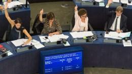 Η ολομέλεια του Ευρωπαϊκού Κοινοβουλίου ενέκρινε τις προτάσεις για μια εκ βαθέων μεταρρύθμιση της Ευρωπαϊκής Ένωσης. EPA/PATRICK SEEGER